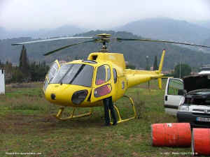 1007_AS350B_F-GDFM_provence-helicoptere.jpg (110715 octets)